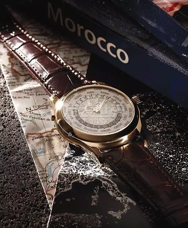 戴块世界时间腕表去旅游