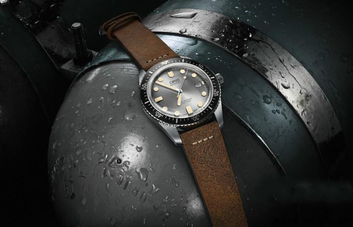 时光之银 豪利时推出银灰色表盘 65 年复刻版潜水腕表