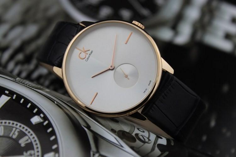 新买的ck手表不走了(不动了),真的是坏了吗_手表不动怎么办?