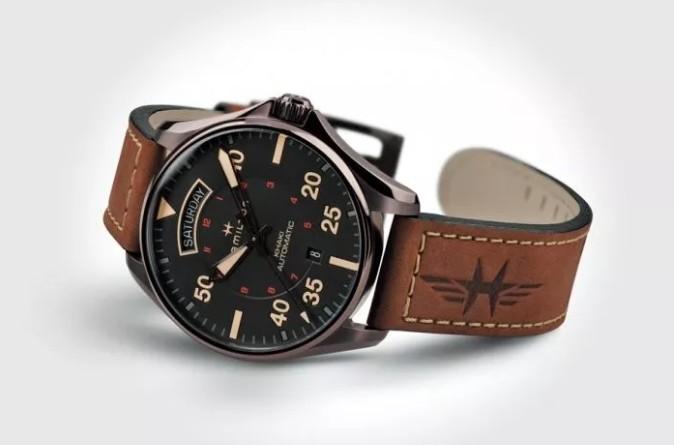 品牌手表里面有水蒸气、雾气怎么办(在镜片里面)原因让我无语