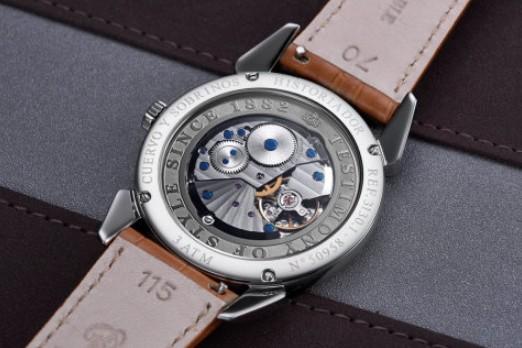 如何打开不同类型的手表后盖_打开手表后盖的正确方法有哪些
