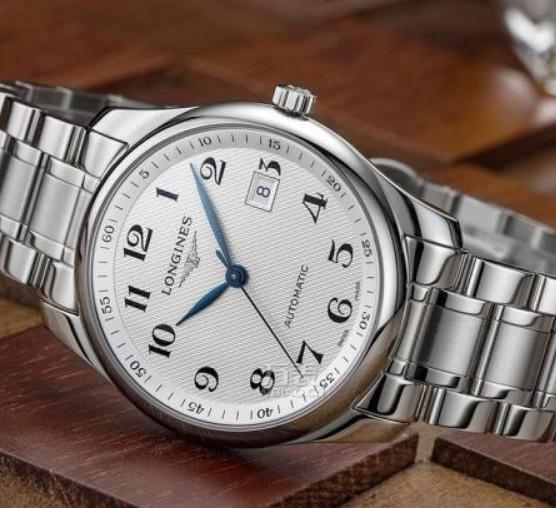 浪琴手表玻璃面有划痕_手表玻璃表面划痕要怎么修复呢?