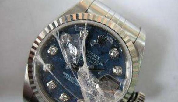 手表表镜玻璃碎裂后怎么办?