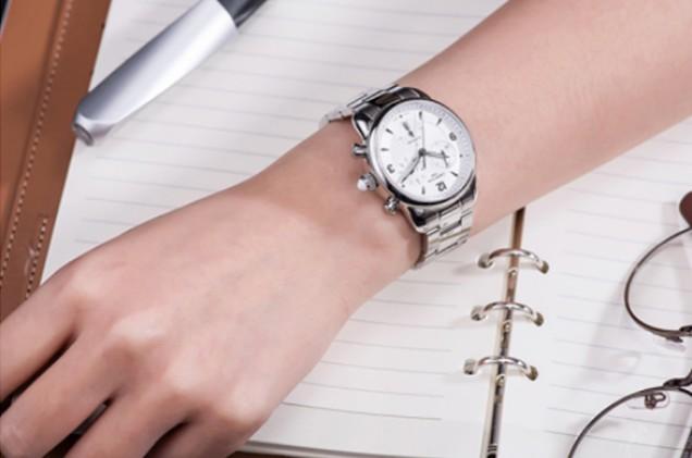 1000元左右质量灰常好的情侣手表有哪些?我们应该如何挑选