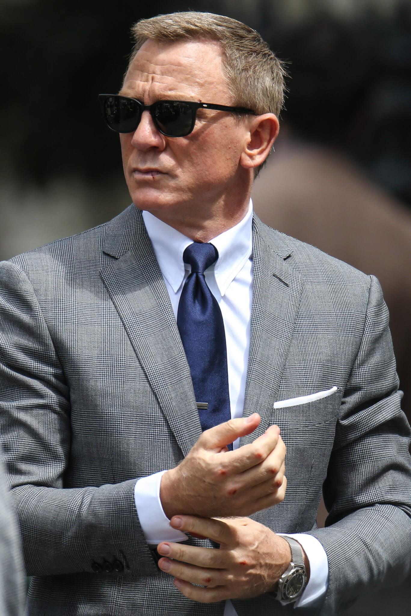 007戴了新欧米茄,却被人揍了一顿?