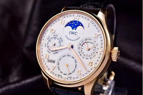 IWC万国月相表推荐 IWC万国月相表的姿态 手表品牌